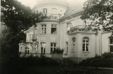 https://mok.leknica.pl/wp-content/uploads/2016/06/Pałac-Belwederski-0003.jpg